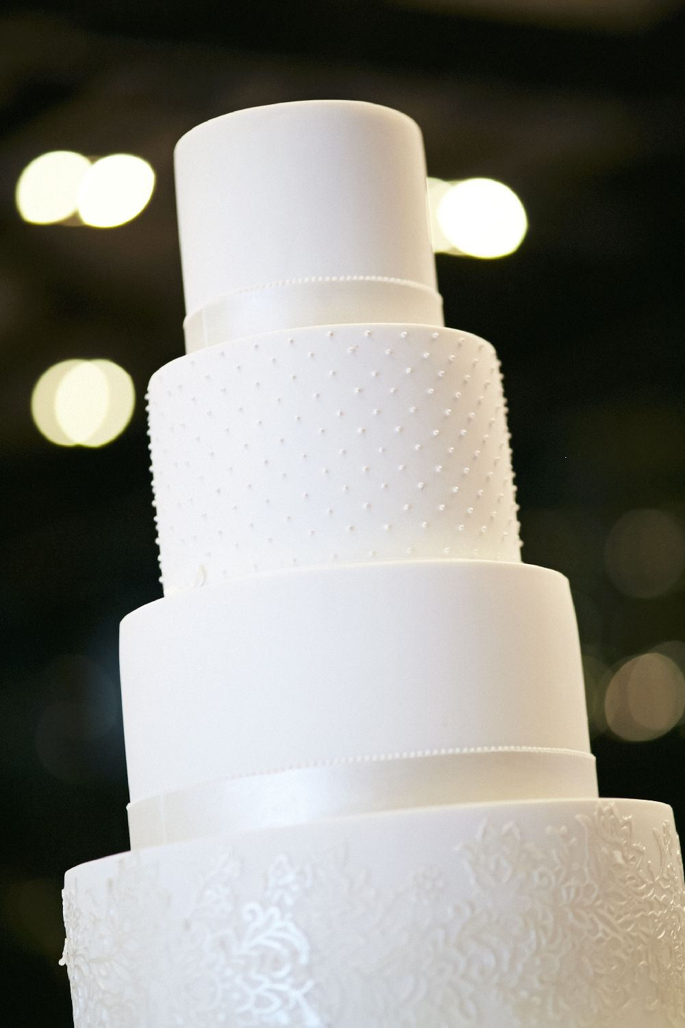 Wedding Reception - white wedding cake | itakeyou.co.uk