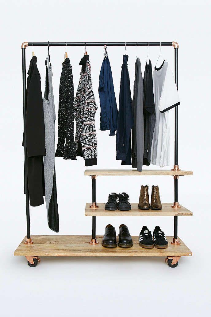 Kleiderst nder aus eisen und holz urban outfitters home inspirations m bel for Wohnungseinrichtung kaufen