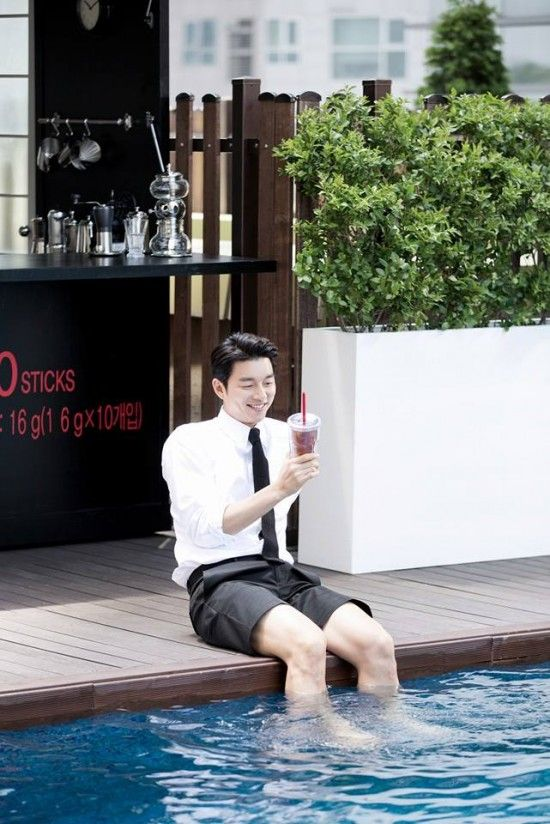 """Gong Yoo Shows His """"Coffee Prince"""" Persona in BTS Shots from """"Maxim"""" 