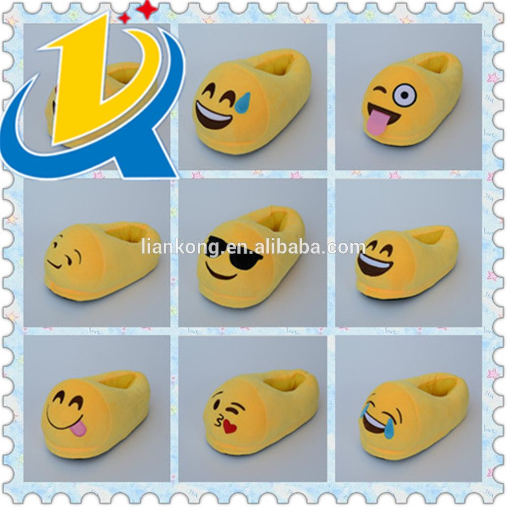New design high quality cheap lovely emoji woman slipper