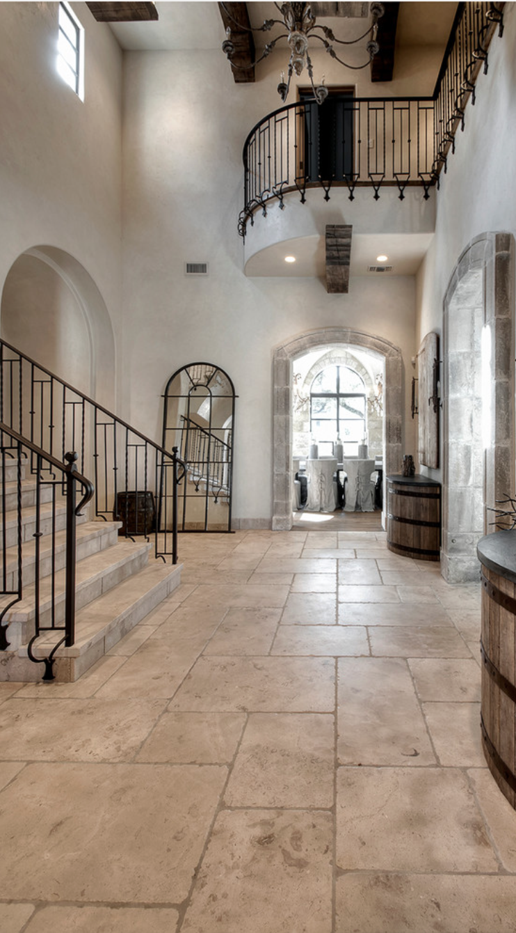 These floors travertine and the cut light combination for Spanish style floor tiles