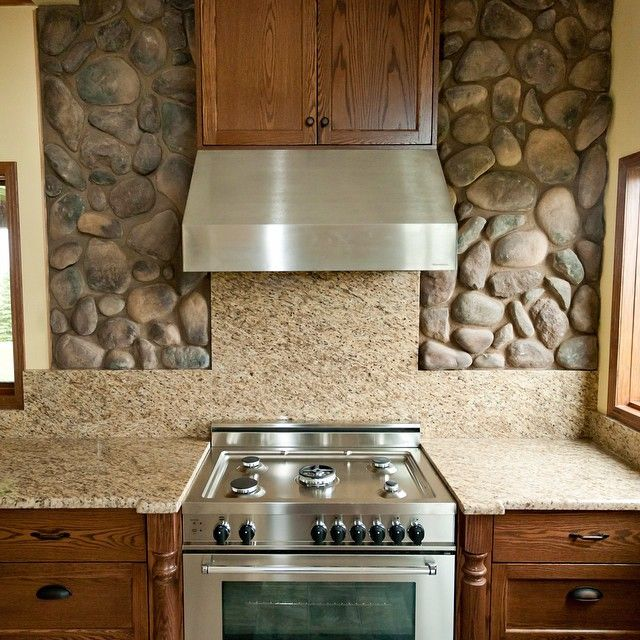 River Rock Kitchen Backsplash Looks Great Www Kodiakmountain Com