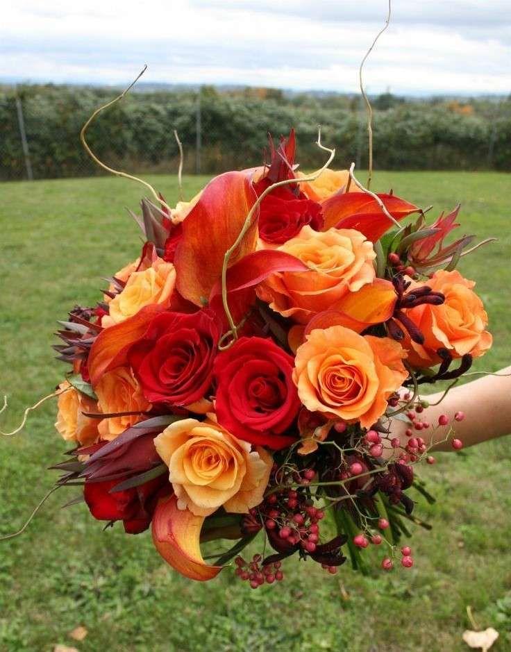 Bouquet Sposa Arancio.Bouquet D Autunno Rosso E Arancio Fiori Per Matrimoni