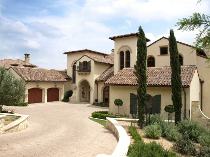 Tuscan style mansion home ideas interior design for Tuscan home plans with casitas