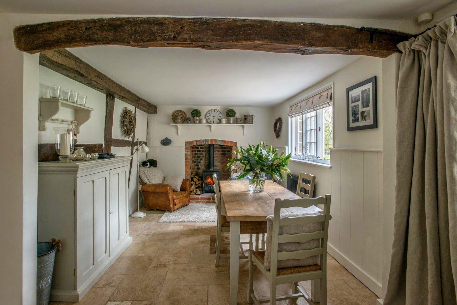 modern country style e n g l i s h c o t t a g e s t. Black Bedroom Furniture Sets. Home Design Ideas