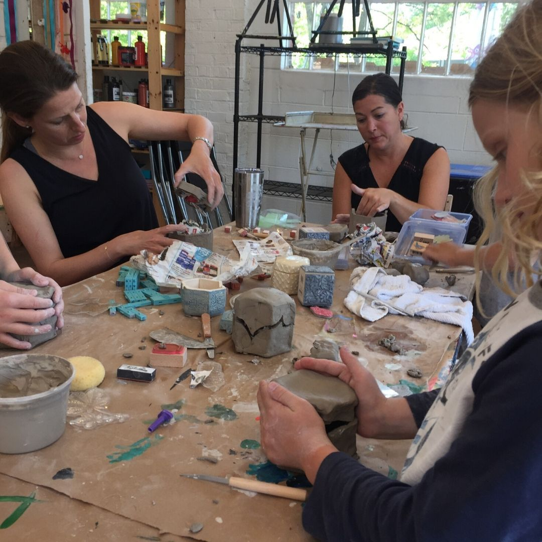 #TBT to a little adult workshop #handbuilding #stoneware jewelry boxes at @artwithanna They turned out cute! #thosewhocando #thosewhocanalsoteach #potterylife