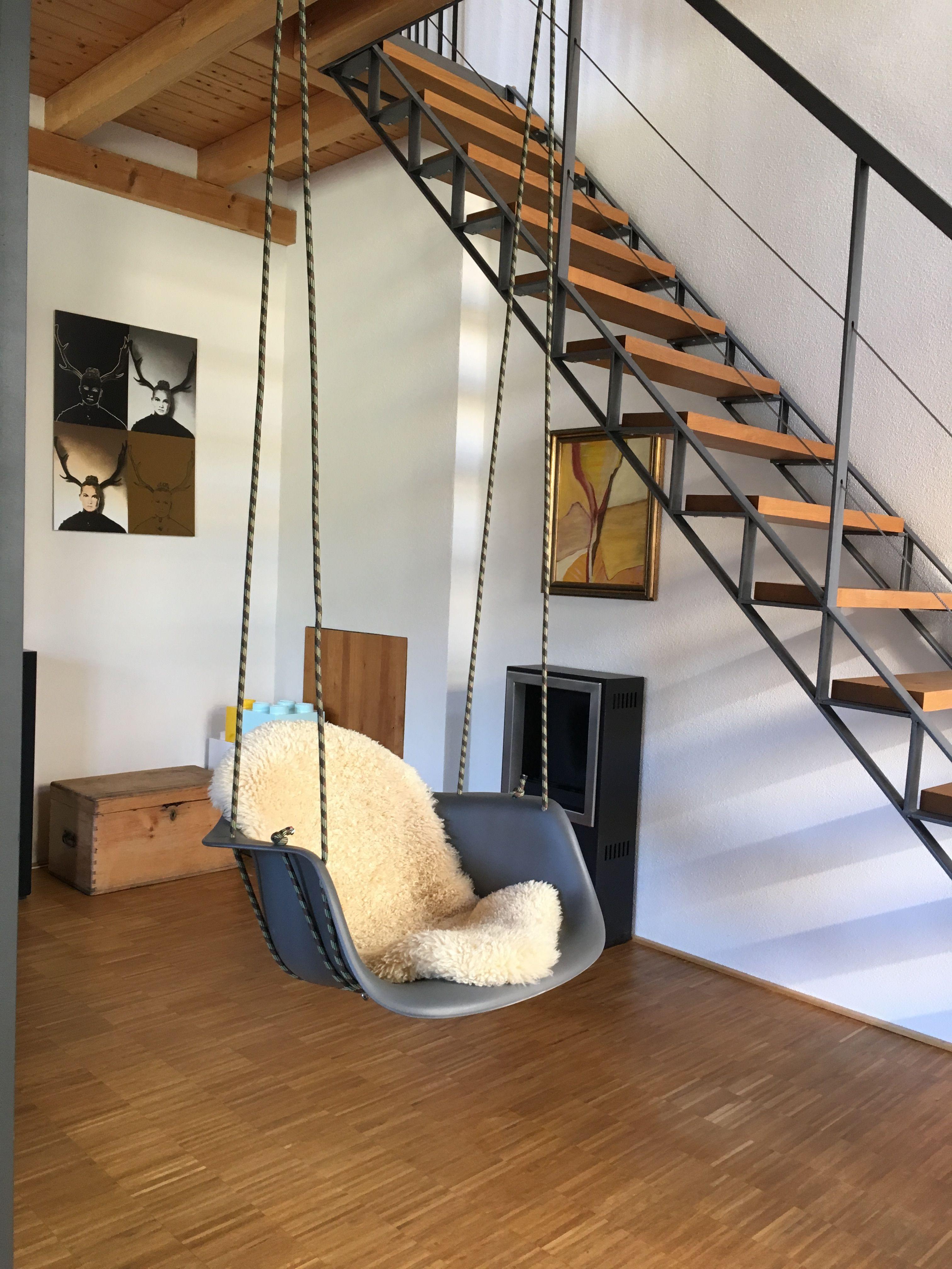 Schaukel Wohnzimmer ~ Eames schaukel gemütlich im wohnzimmer ideen rund ums haus