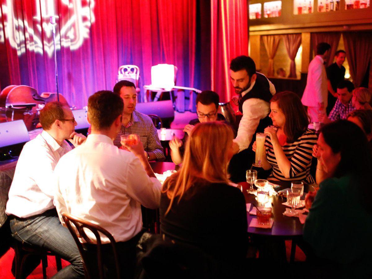 21 Nyc Bars And Restaurants With Live Music Nyc Bars Entertainment Bar Live Music Bar
