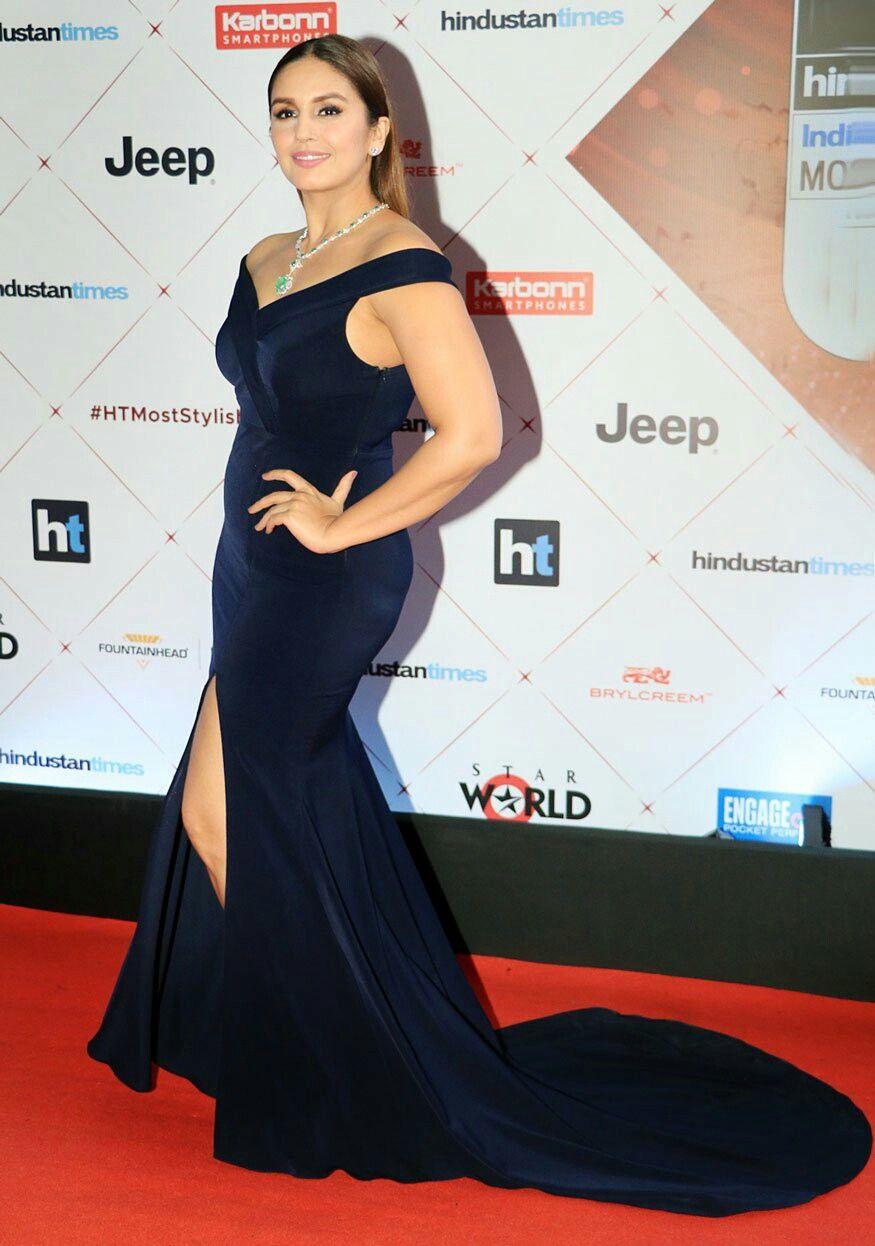 Bollywood Actress Huma Qureshi At Red Carpet Of Ht Most Stylish Award 2018 Bollywood Celebrities Saree Dress Bollywood