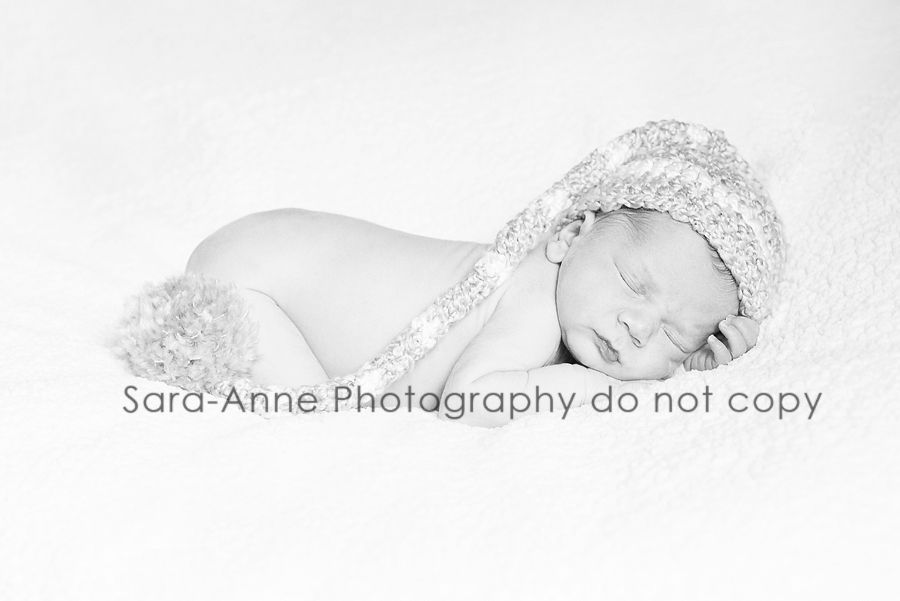 I love black and white newborn pics