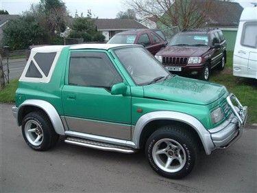 Adorable! Suzuki Vitara, would so drive this!