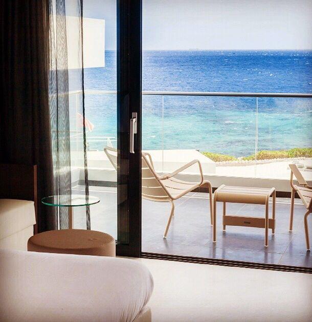 balcon en bord de mer avec fauteuils bas et table basse luxembourg couleur muscade. Black Bedroom Furniture Sets. Home Design Ideas