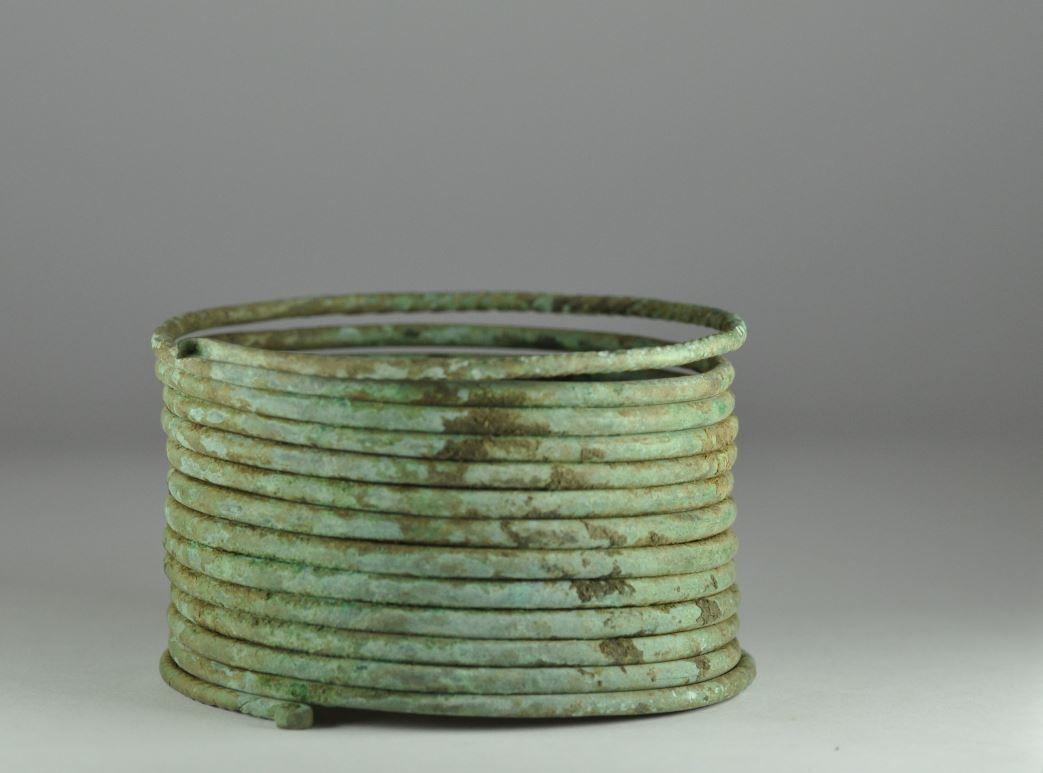 Etruscan Villanovan bronze bracelet, 9th-8th century B.C. Etruscan Villanovan bronze bracelet, 8.3 cm diameter. Private collection