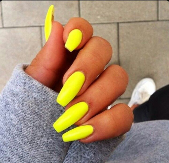 Neon Yellow / Green Square Tip Acrylic Nails | Nail Art & Designs ...