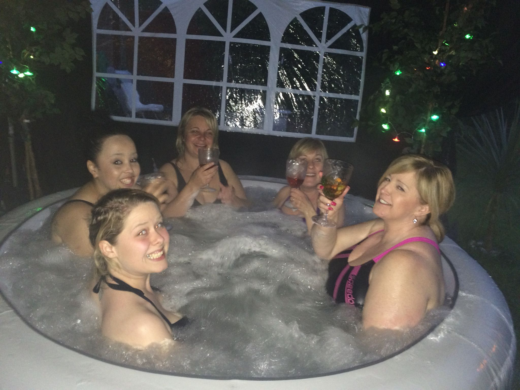 Sexy girls in jacuzzi-6856