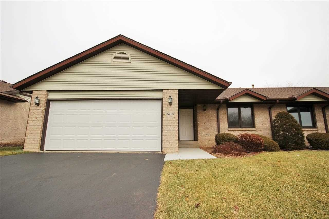 114 900 2 Bed 2 Bath Condo Mls 201407693 Http Rockfordrealestate Com Home 376 6218 Carriage Green Way Rockford Illinois Rockford Homes Home Next At Home