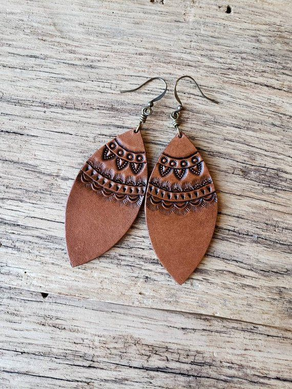 Photo of Handmade leather earrings, leather earrings with pattern, leaf shape #diy … – Ha …