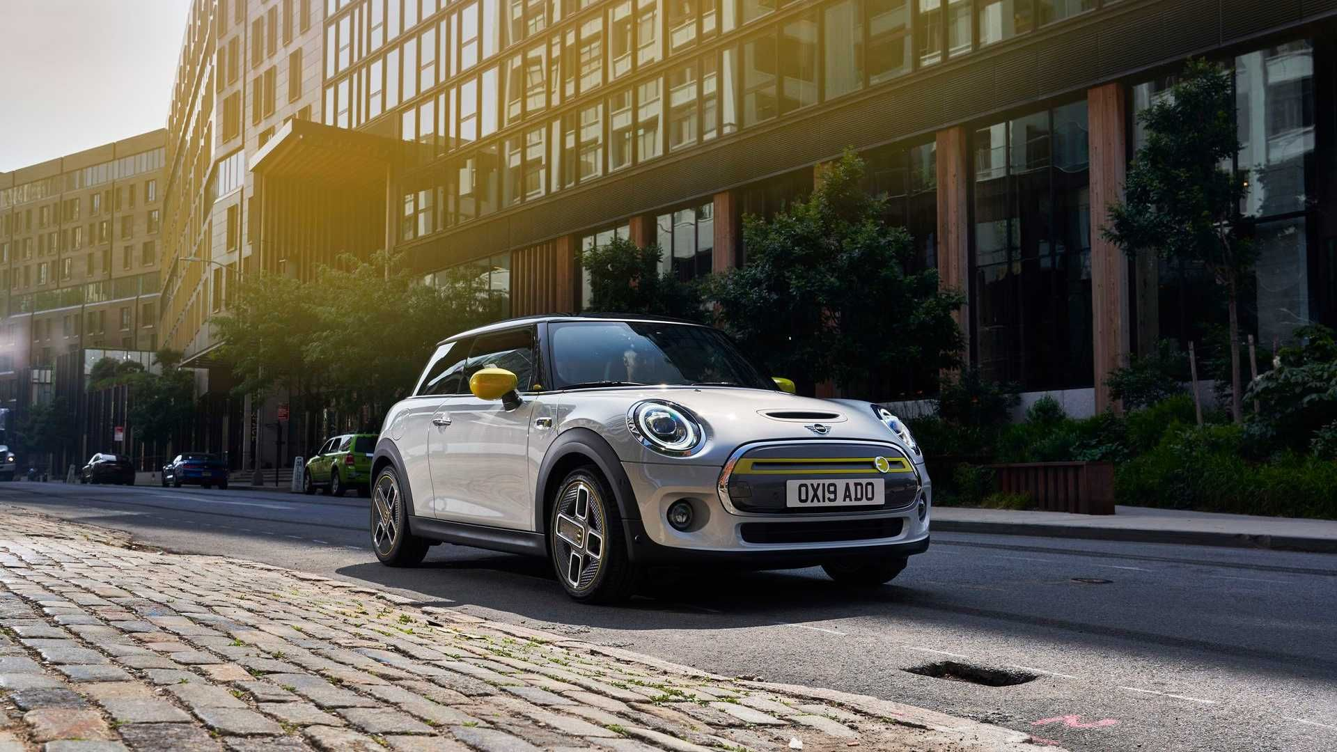 Mini Is Not A Total Fan Of Evs But Next Jcw Could Be Electric Mini Cooper Electric Sports Car Small Car Models