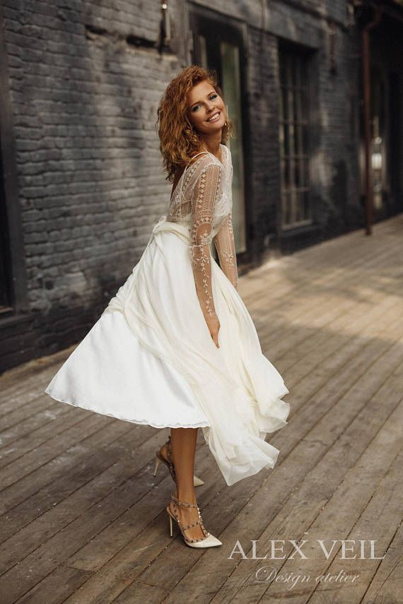 Wedding dress 'ELISE' // short wedding dress, boneless, tea length wedding dress, lace wedding dress, long sleeve, boho wedding dress #zivilhochzeitskleider