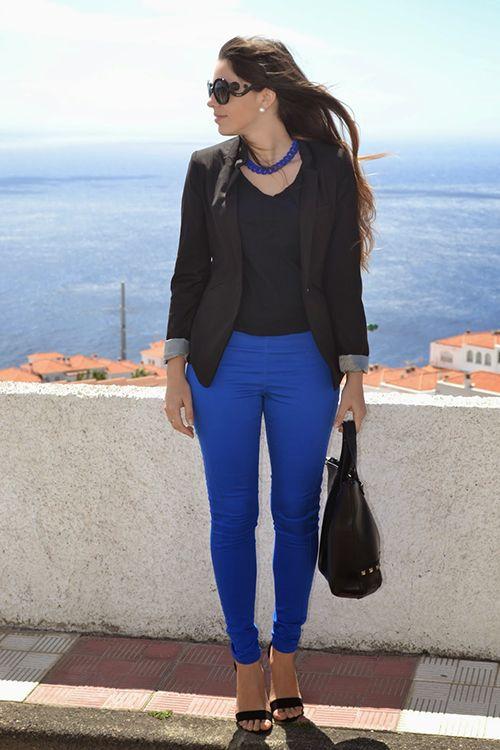Divitips Como Combinar Un Pantalon Azul Cobalto Pantalones Azul Cobalto Combinar Pantalon Azul Pantalones Azul Electrico