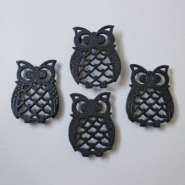 Vintage Owl Trivets Set made from cast iron.