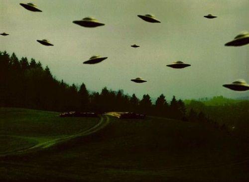 Watch The Skies! | UFOs | Alien aesthetic, Aesthetic space, Ufo