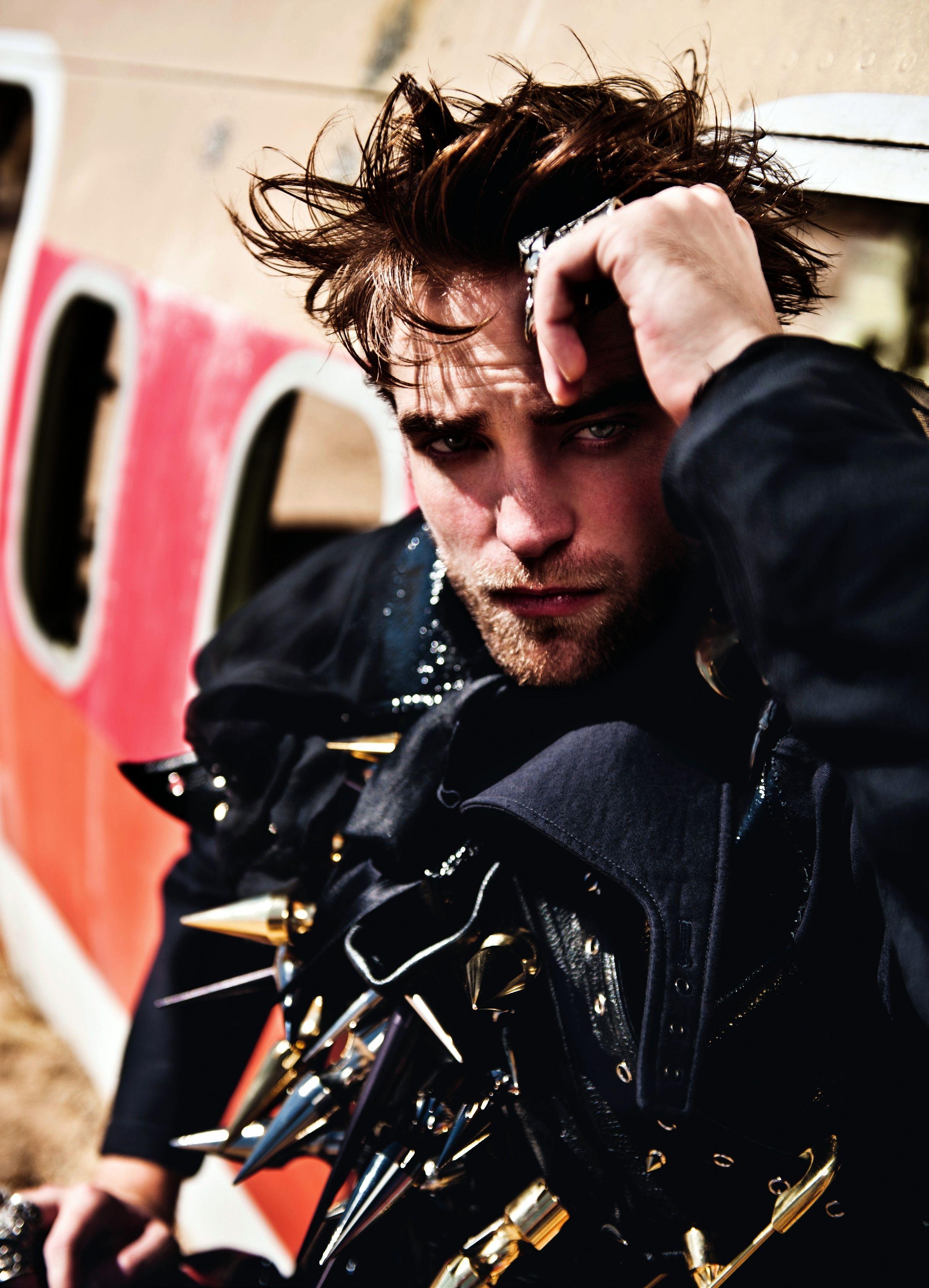 Robert Pattinson Para L Uomo Vogue Italia Noviembre 2012