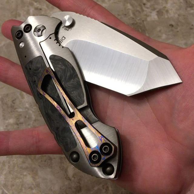 Direware Solo V5  #direwareknives #direware #direwaresolo #edc #edcknife #everydaycarry #everyday_tactical #everydaydump #usn #usnstagram #usnfollow #usualsuspectnetwork #knifeporn #knifegasm #knifecollection #knifecommunity #knifenut #knifestagram #knifeparty #dailybadass #customknives #knivesdaily #bestknivesofig #grailknives #knife #tanto #mokuti #titanium #weaponsdaily #knives