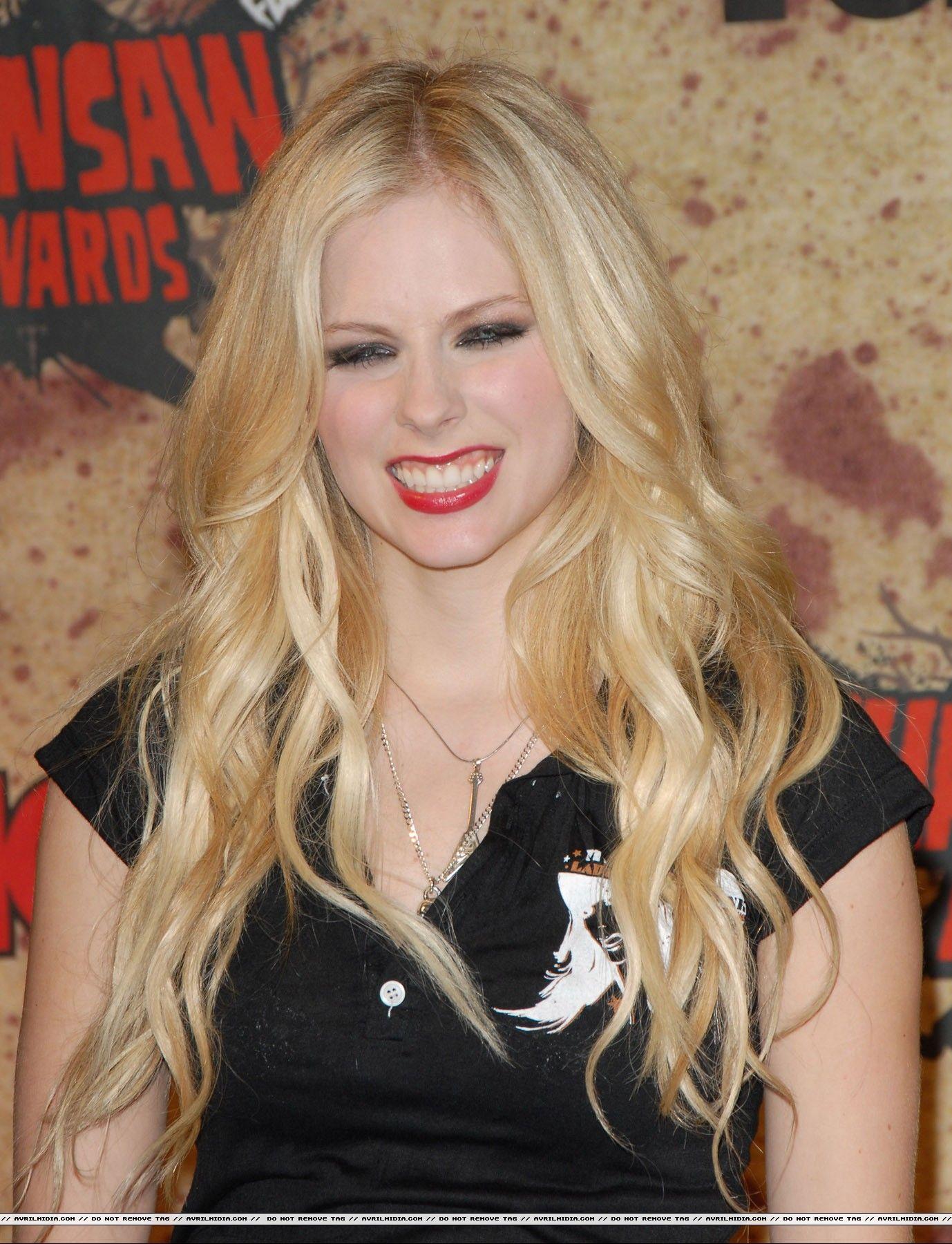 2019 Avril Lavigne nude photos 2019