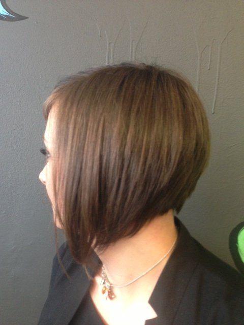 Nuque courte piquetée en pointe coiffure hairdressing