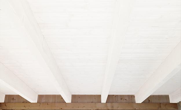 Holzdecke Streichen Mit Jaeger Aqua Holz  Isolier  Und Deckfarbe  #jaegerlacke #holzdecke