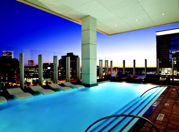 W Atlanta Has The Most Spectacular Rooftop Illusion Pool In The City There S Public Admission At Night On Weekends For 10 Wow Wander Wall Atlanta Hotel