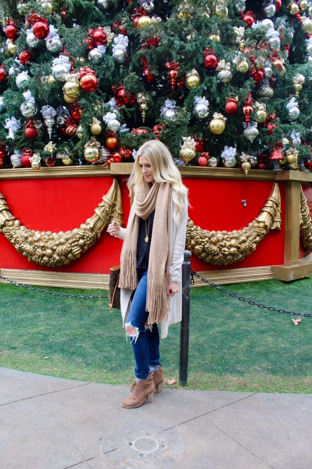 Current Sales & My Favorite Winter Scarf The Styled