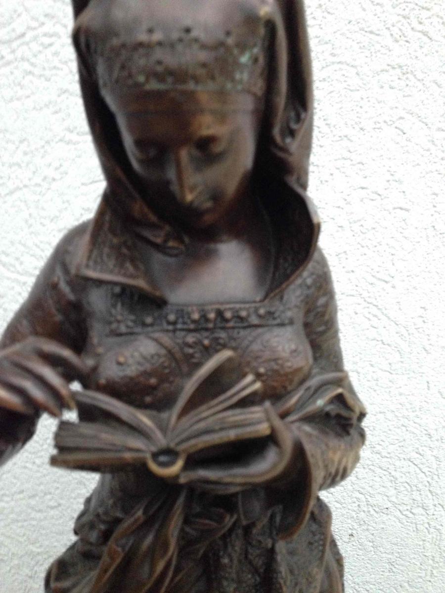 Bronzen beeld (carrière belleuse)