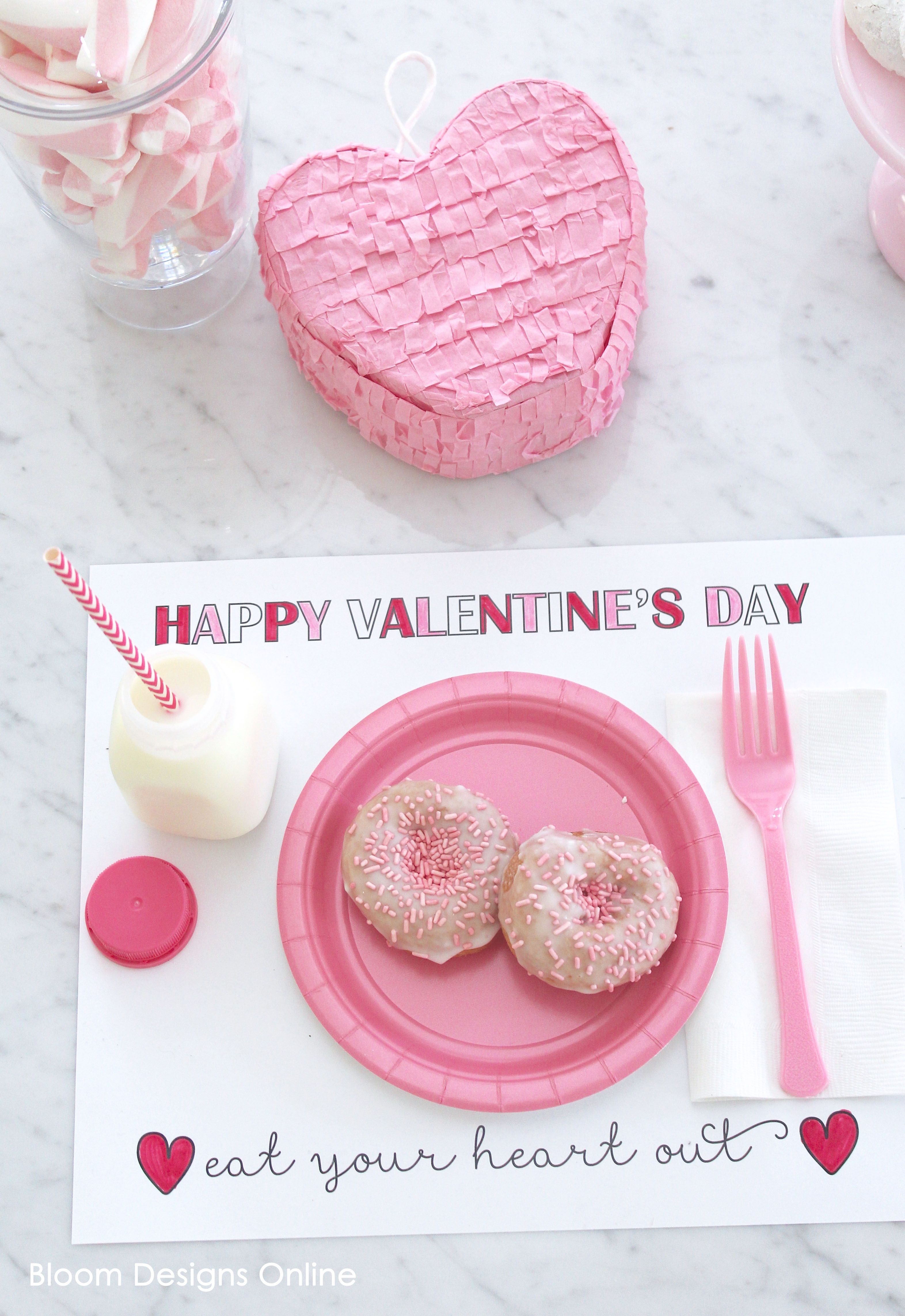 FREE Printable Valentine\'s Day Placemats - such a cute idea to use ...