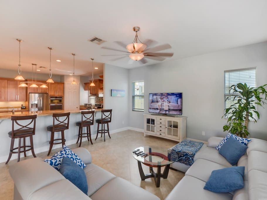 5 Star 5 Bedroom Waterfront Paradise Houses For Rent In West Palm Beach Renting A House Home Vacation Home