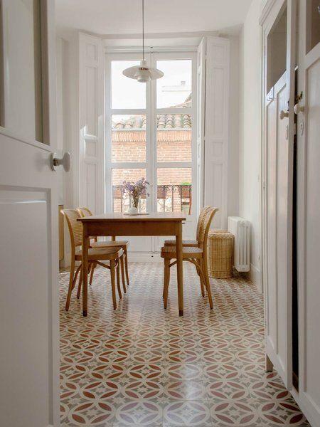 Un Piso Reformado En El Madrid De Los Austrias Casas De Un Piso Pisos Interiores De Casa