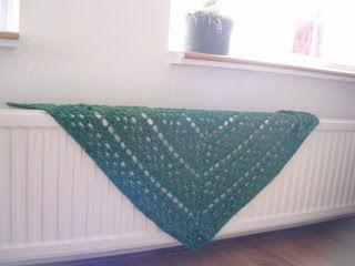 *Nieuw haakpatroon! Omslagdoek of driehoeksjaal. | A la Sascha