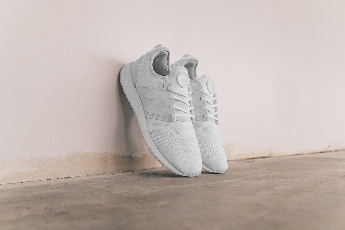 new balance 247 trainers in white mrl247bb