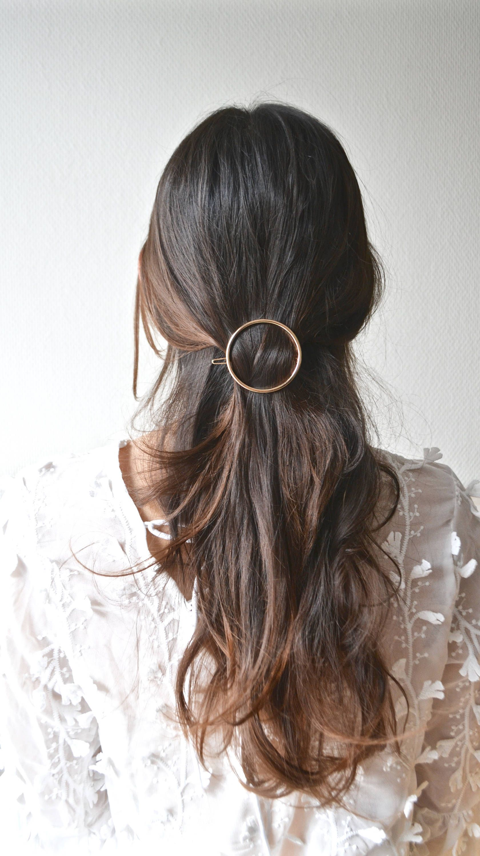 brillance des couleurs nouveau design meilleur endroit Barrette minimaliste cercle. Bijou de cheveux, pince doré ...