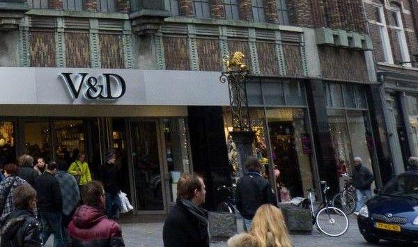 http://www.apeldoorn-nieuws.nl/joke-van-dijk-uit-apeldoorn-totaal-onzeker-de-feestdagen-in/