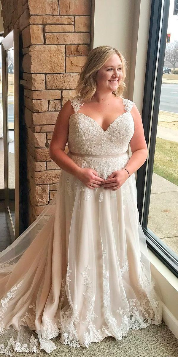 33 Plus-Size Wedding Dresses  A Jaw-Dropping Guide  cd7536d210