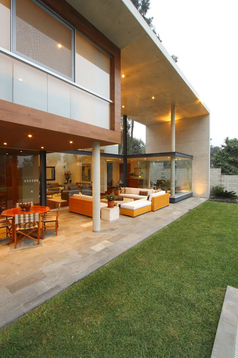 Modern rectangular shaped house boasting an elegantly joyful interior best modern architecture design ideas to inspire you the s house was designed by