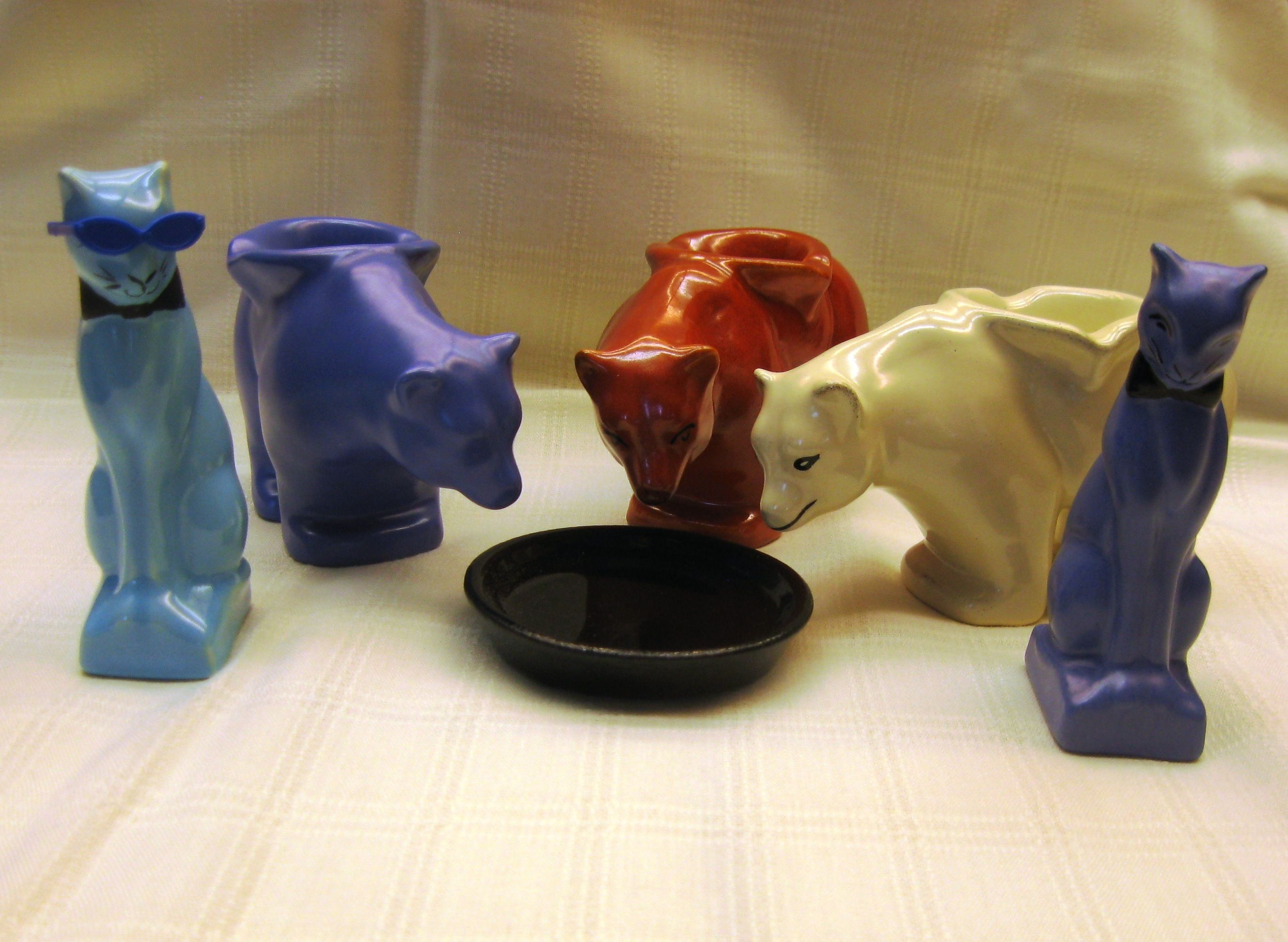 Catalina Island Pottery Bears, Cats and Butter Pat