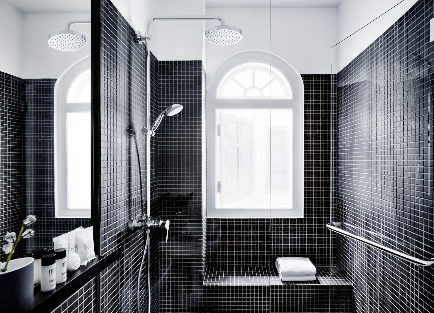 Hotel Mono | Black & White Design 2 | Pinterest | Singapore, Bath ...