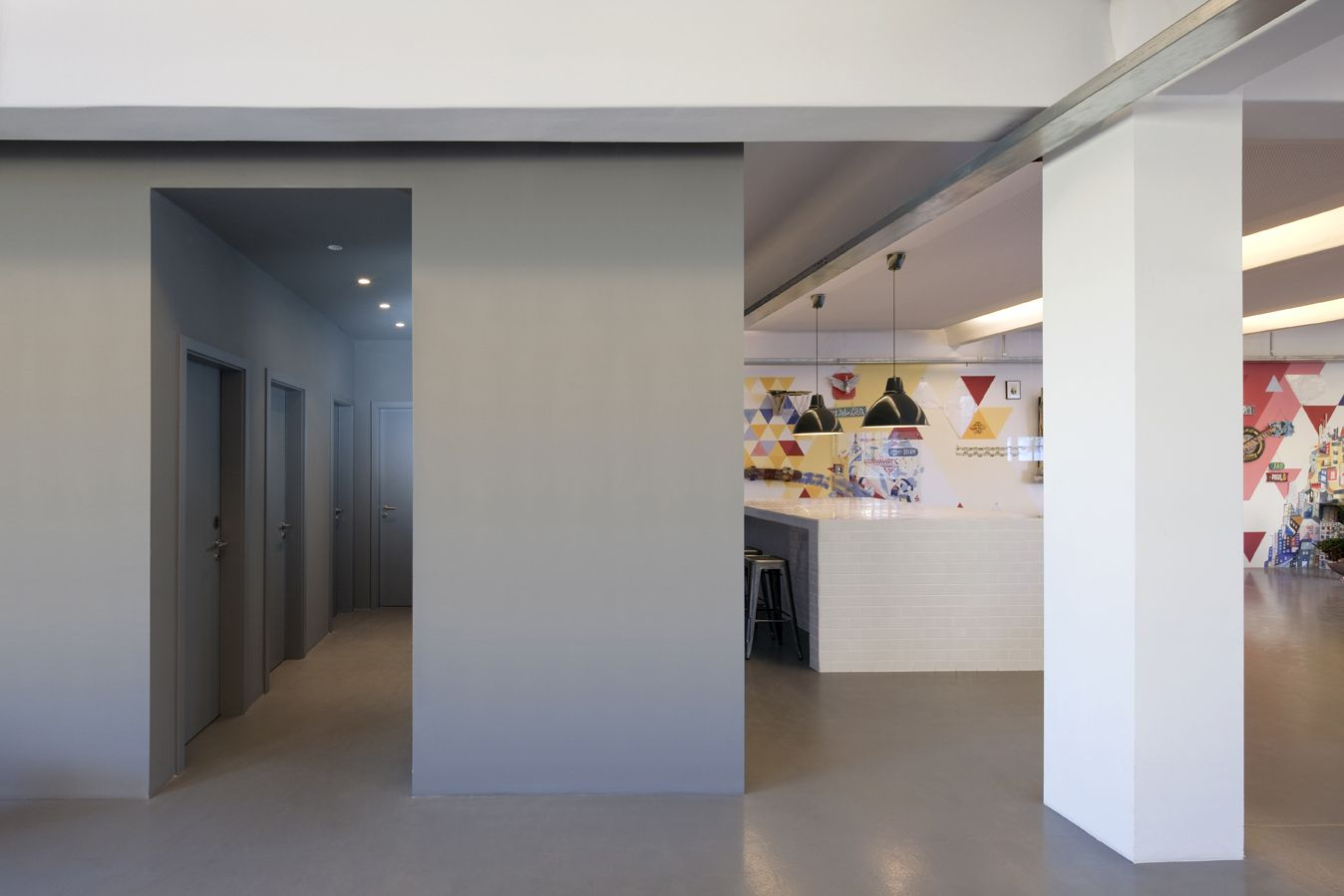 Büro küche design  red bull - berlin - loft style - office - kitchen area - show ...
