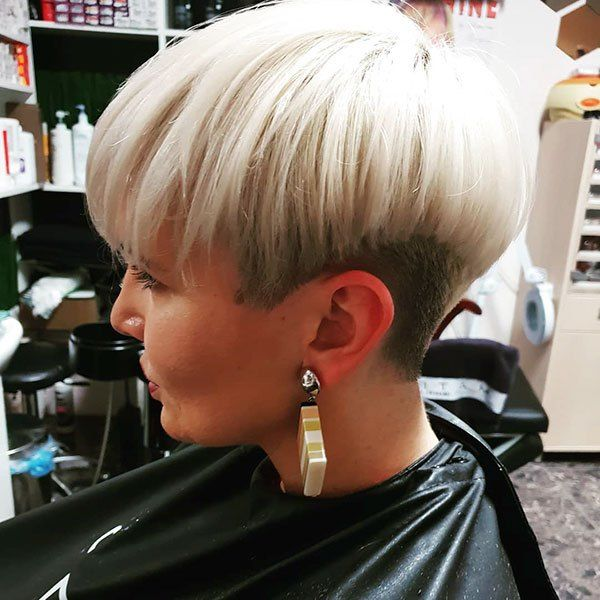 60 Short Straight Hairstyles This Year - Wass Sell