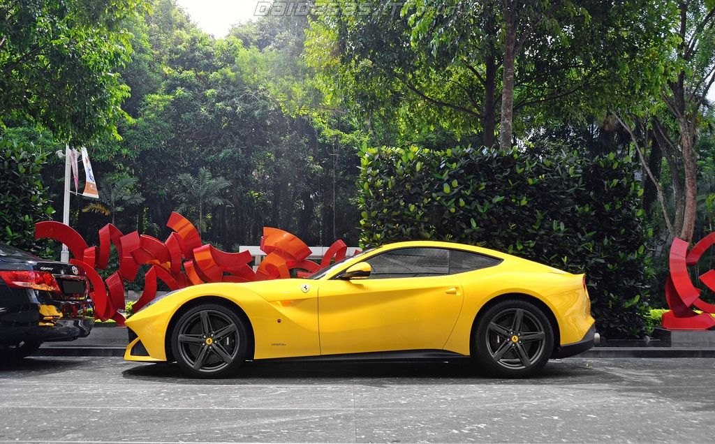 Ferrari F12 Berlinetta | Top Luxury Brands Http://www.clubdelux.pt · Luxury  Sports CarsExotic ...