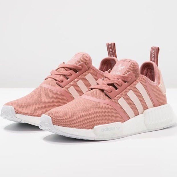 Trendsetter ADIDAS Women Running Sport Casual Shoes Sneakers ...