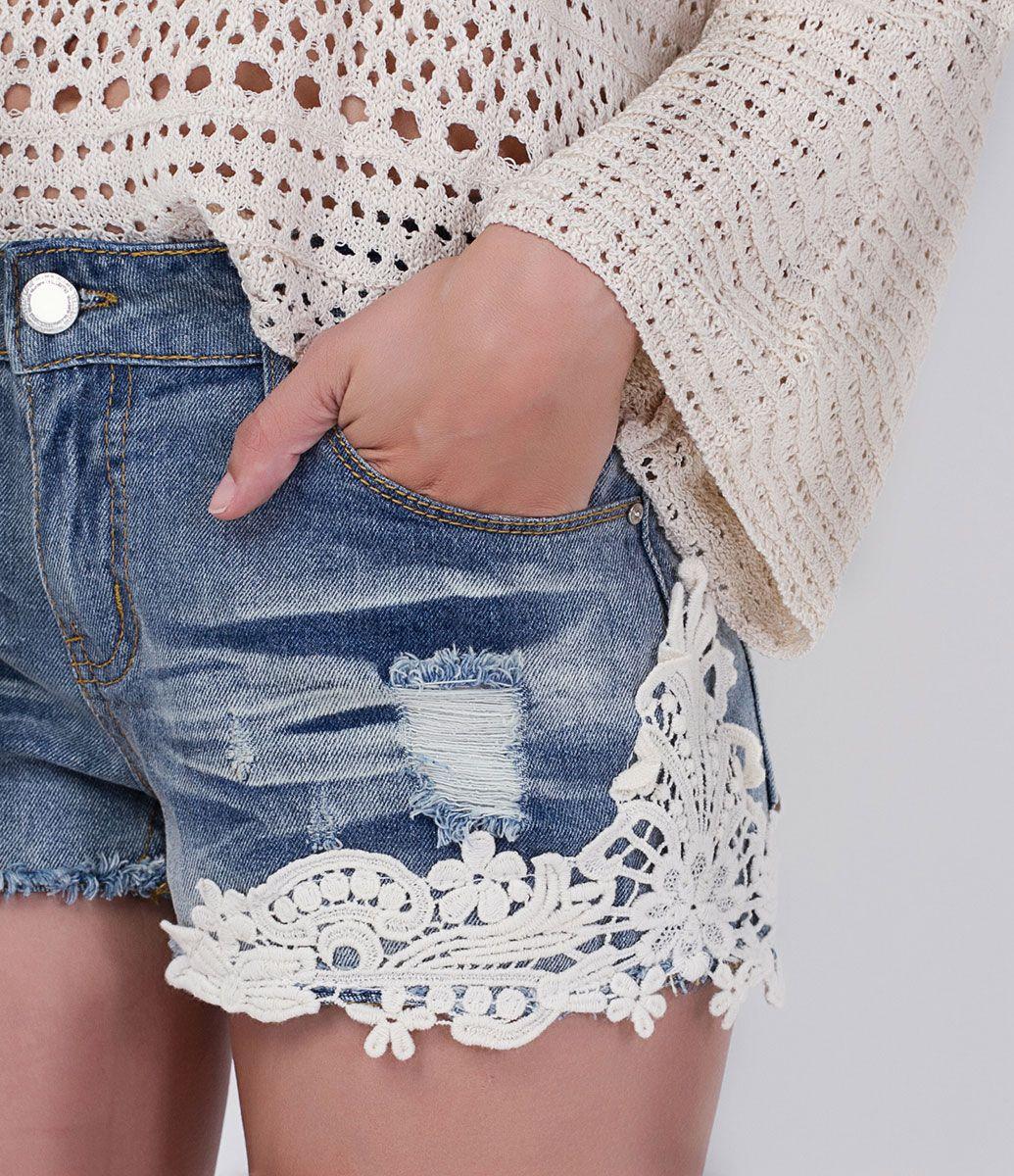b278a8565 Short feminino Detalhe em renda guipir Marca  Blue Steel Tecido  jeans  Composição  100% algodão Modelo veste tamanho  36 COLEÇÃO INVERNO 2016 Veja  outras ...